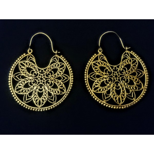 Mandala shape earrings